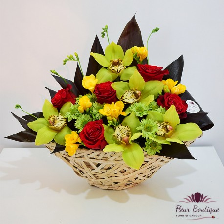 Cos floral trandafiri, orhidee si frezii
