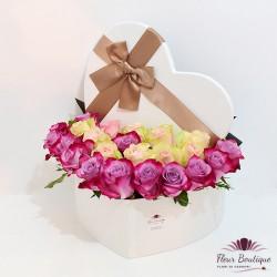 Cutie inima cu 25 trandafiri