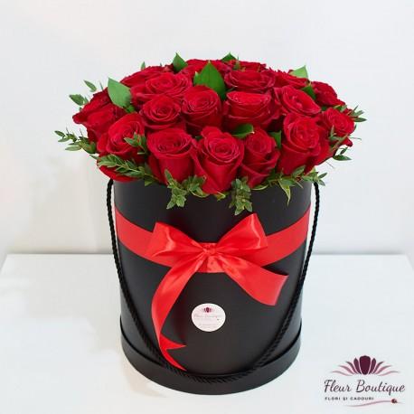 Cutie 31 trandafiri rosii