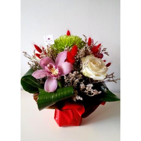 Aranjament floral orhidee, trandafiri si crizanteme