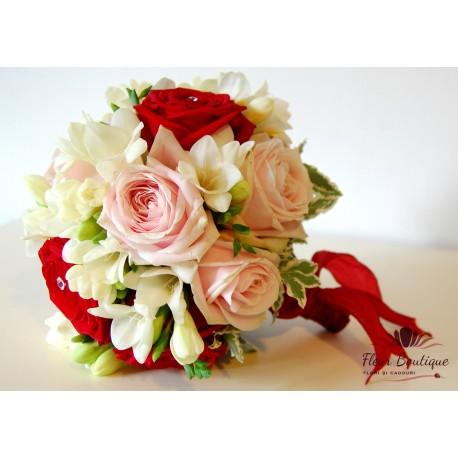 Buchet mireasa trandafiri si frezii BM003