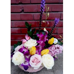 Cos cu flori de primavara CF004