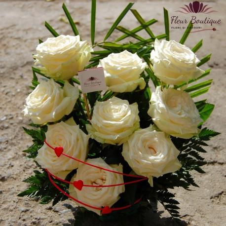 Cos trandafiri albi CF019