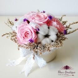 Aranjament floral pastel cu trandafiri stabilizati AF12