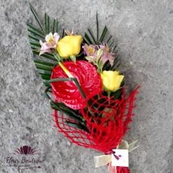 Buchet anturium, trandafiri si altromeria BF030