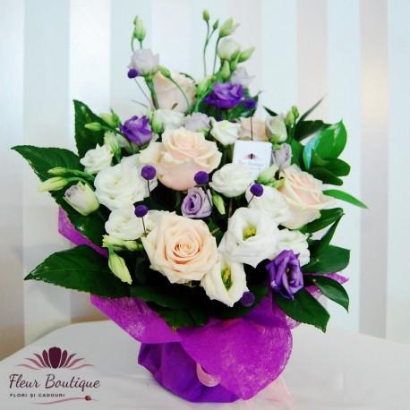 Aranjament floral creme a la creme AF013