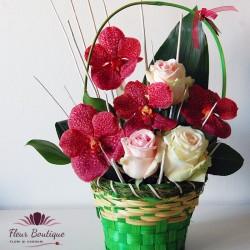 Cos floral orhidee vanda si trandafiri