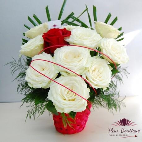 Cos floral 11 Trandafiri CF049