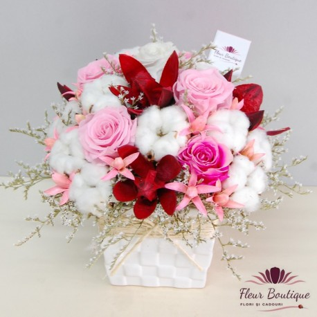 Aranjament floral cu trandafir stabilizat AFS003