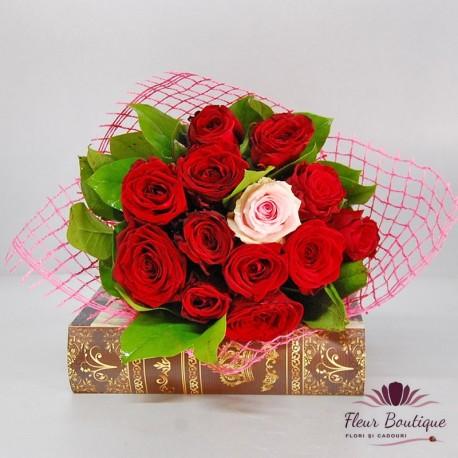 Buchet 13 trandafiri BF076